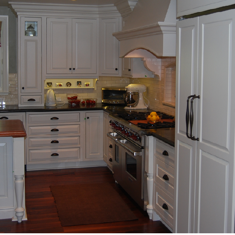 White Kitchen Cabinet Hardware: Bright White Kitchen With Bronze Hardware Pictures To Pin